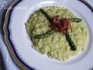 Risotto alla crema di asparagi e speck croccante
