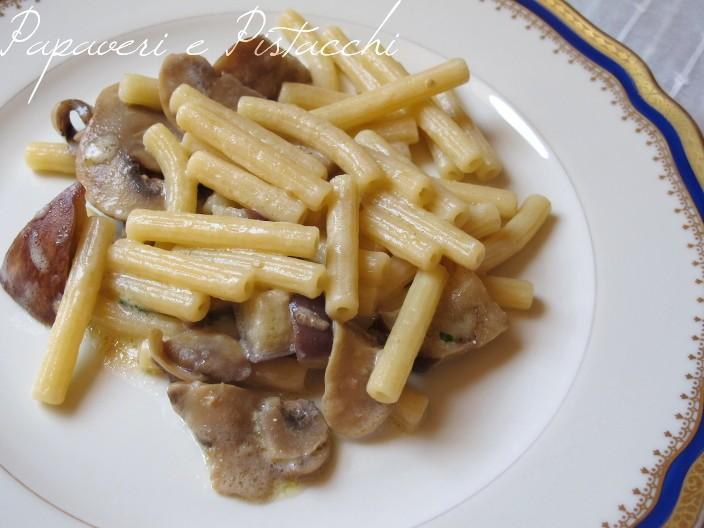 Pasta Funghi Champignon e Melanzane