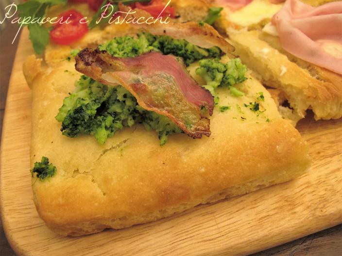 Pizza con Broccolo e Guanciale