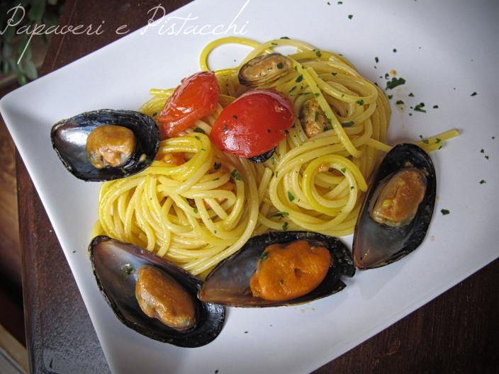Spaghetti Cozze Zafferano e Pomodorini