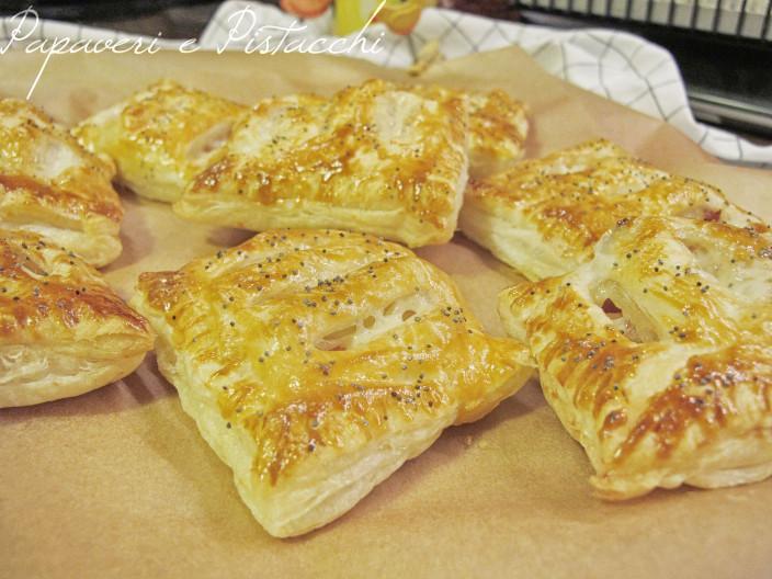 Fagottini di Pasta Sfoglia Mortadella e Asiago Nero