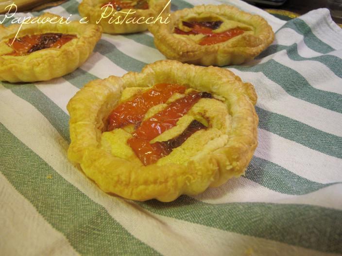 Tartelle con Pesto di Pistacchi e Peperoni