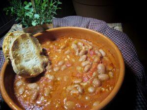 Zuppa di Fagioli al Pomodoro e Paprika Dolce